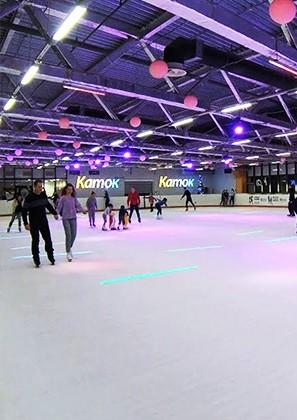 Ледовые катки начали работу в торгово-развлекательных комплексах